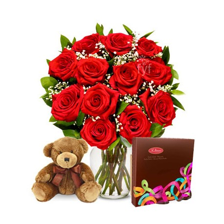 Peluche, rosas y chocolates para mamá